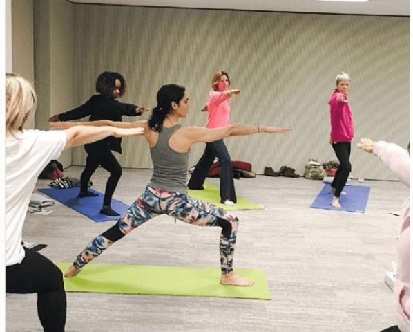 Yoga en Entreprise Paris Cultiver Son Bonheur Carolina de La Cuesta